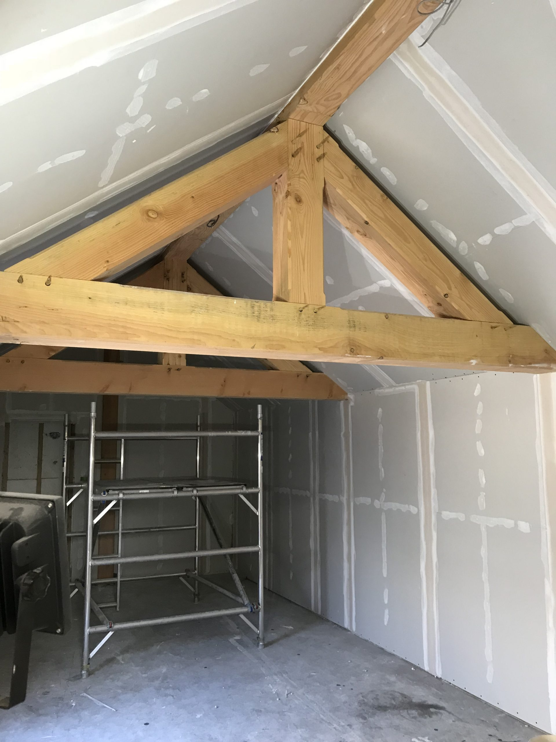 Duglas Fir Exposed Beams.